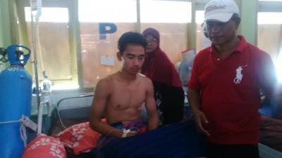Kondisi Alif membaik setelah dirawat di RSUD Bima. Foto: Bin