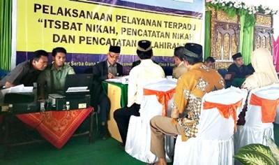 Pelaksanaan Sidang Itsbat nikah. Foto: Hum