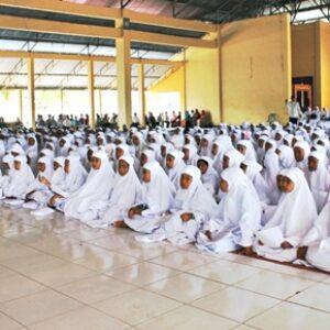 2000 Santri Kabupaten Bima Ikuti Khataman Al-Quran