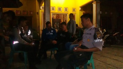 Rumah Wahyudin di Santi dijaga Polisi. Foto: Bin