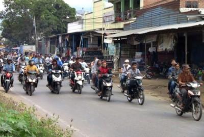 Massa Ahyar saat konvoi damai