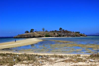 Pantai Lariti Bima. Foto: Bin