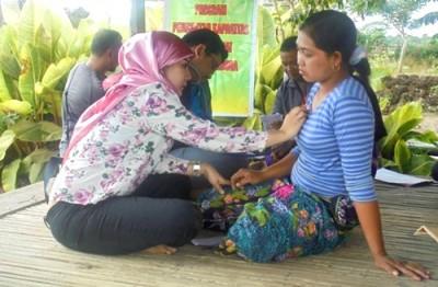Pemeriksaan kesehatan gratis yang digelar Lapkesdam. Foto: Erde