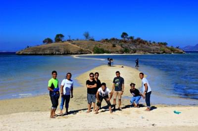 Pesona Pantai Lariti. Foto: Bin