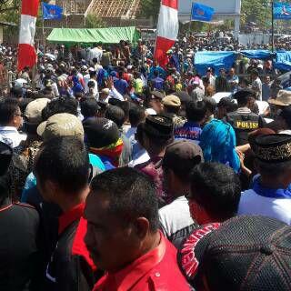 Ribuan Massa saat mengantar pasangan SYUKUR