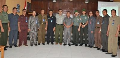Foto Bersama setelah rapat koordinasi cetak sawah baru. Foto: Hum