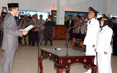 Penjabat Bupati Bima saat dilantik Gubernur NTB. Foto: Hum