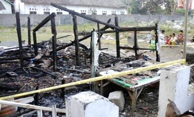 Rumah di Kelurahan Dara yang hangus terbakar. Foto: Erde