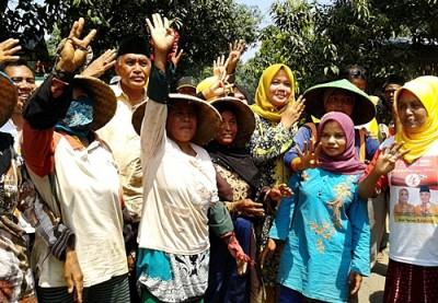 DINDA bersama masyarakat Petani di Desa Ncera. Foto: Noval