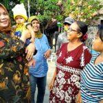 Di Runggu, Ibu-Ibu Ajak DINDA Jalan Kaki