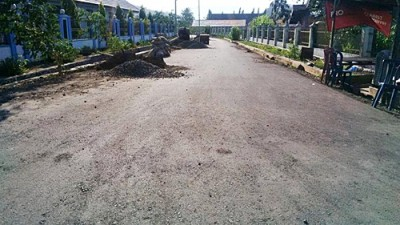 Jalan Pendidikan Kelurahan Lewirato juga diprioritaskan untuk peningkatan jalan. Foto: Bin