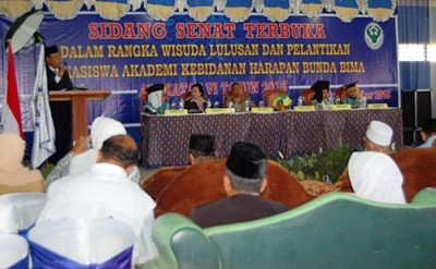 Ketua Yayasan Akbid Harapan Bunda Bima, H. Dahlan S.Kep,Ns M.Pd. Foto: Eric