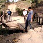 Jalan dan Jembatan Desa Oi Bura Rusak Parah