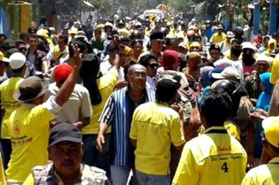 Kondisi massa pasangan DINDA di Kecamatan Bolo. Foto: Noval