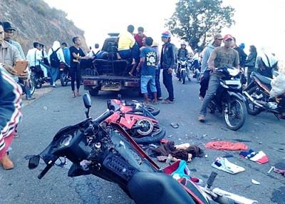 Kondisi motor usai tabrakan di jalan Lintas Ule. Foto: Ady