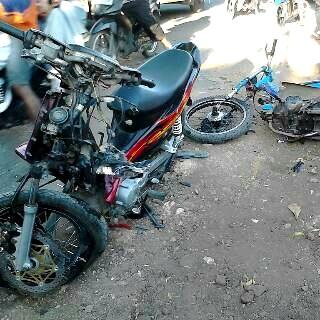 Motor rusak parah usai tabrakan di Kelurahan Penatoi.