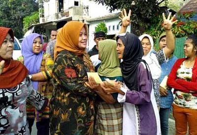 Pasangan DINDA disambut hangat di Kecamatan Lambitu. Foto: Teta