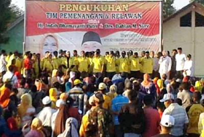 Pengukuhan 350 Tim Relawan Kecamatan Woha. Foto: Noval
