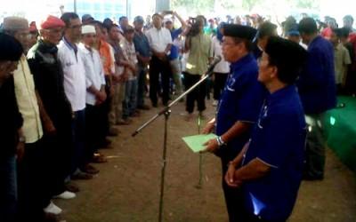 Pengukuhan perwakilan 3933 Tim Pemenangan di Kecamatan Sape. Foto: Bin