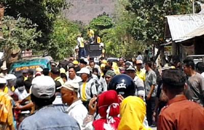 Penyambutan warga Desa Lido saat kedatangan DINDA. Foto: Noval