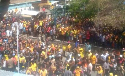 Ribuan massa DINDA di Wera. Foto: Noval