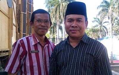 Sekretaris MTQ A. Wahid (Berkacamata) didampingi ketua PHBI Kota Bima. H. Ahmad. Foto: EM