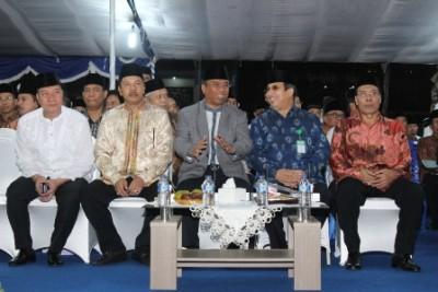 Walikota bersama Wagub dan undangan lain. Foto: Bin