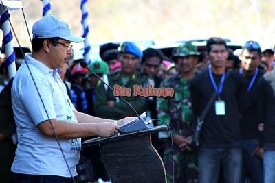 Walikota saat memberikan sambutan pada Pencanangan Tanam Pohon di Dana Traha. Foto: Bin
