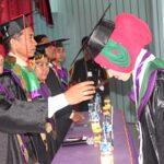75 Mahasiswa STIKES Yahya Bima Diwisuda