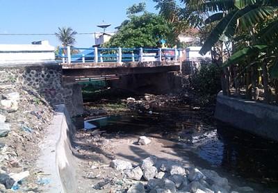 Kondisi Kali Romo  Kelurahan Sarae. Foto: Eric