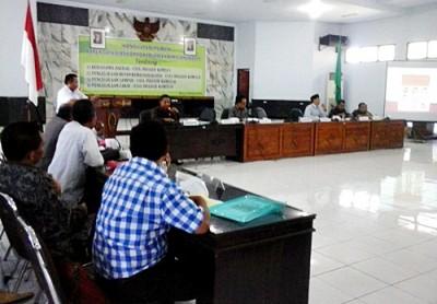 Konsultasi Publik Empat Raperda DPRD Kabupaten Bima. Foto: Ady