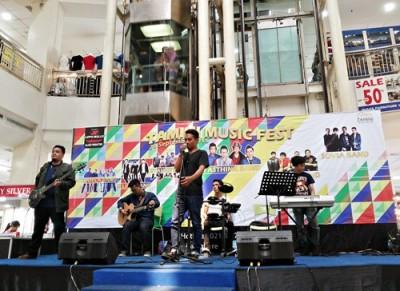 La Hila Band Perform di salah satu Mall di Jakarta