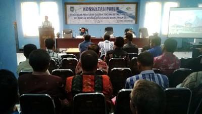 Wakil Walikota saat memberikan sambutan konsultasi publik Raperda RDTR du Kecamatan. Foto: Bin