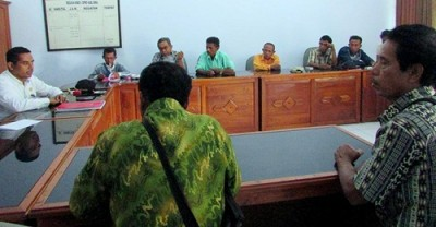 Warga Monta Ahli Waris Tanah saat datangi Komisi I. Foto: Ady