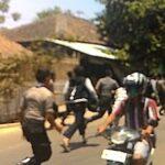 Warga Rabadompu Timur Bentrok dengan Polisi