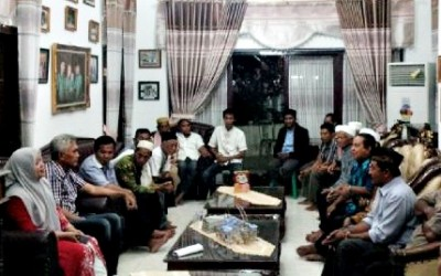 DINDA saat menerima kedatangan sejumlah tokoh dari Kecamatan Ambalawi. Foto: Noval