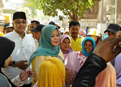 DINDA tatap muka dengan warga Sape saat blusukan. Foto: Noval