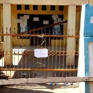 Protes Dugaan Pungli, Kantor Desa Rompo Disegel