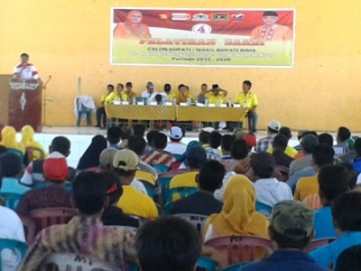Ketua Koalisi pasangan DINDA Kabupaten Bima, Baharudin saat memberikan sambutan pelatihan saksi. Foto: Noval