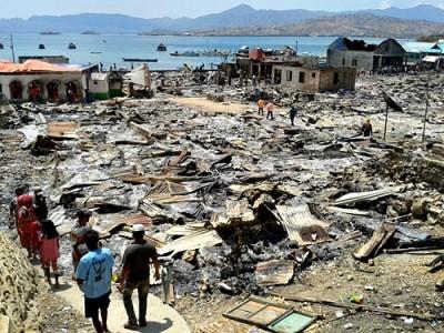 Kondisi Dusun Tengah Desa Bajo Pulau setelah kebakaran. Foto: Noval