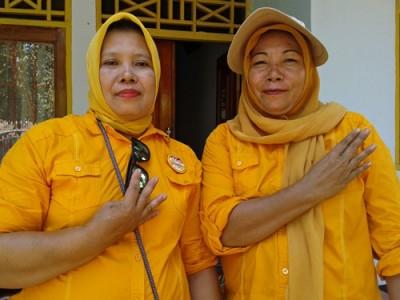 Mantan Caleg Nuryanti dan  Rahmah. Foto: Noval