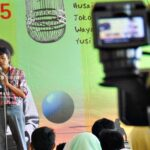 Lima Sastrawan Nasional Baca Sastra di ASI Mbojo