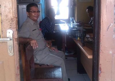 Sekwan Kota Bima saat diperiksa Polisi. Foto: Eric
