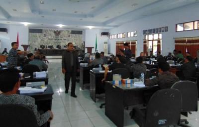 Suasana Sidang Paripurna DPRD Kabupaten Bima. Foto: Ady