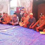 Gubernur NTB Serahkan Bantuan Korban Kebakaran Bajo Pulau