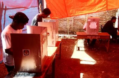 Proses Pemungutan Suara di TPS 1 Desa Panda. Foto: Bin