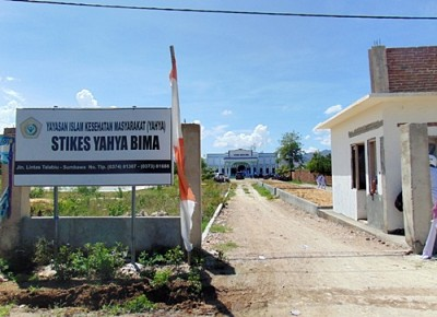 Kampus STIKES Yahya Bima. Foto: Ady