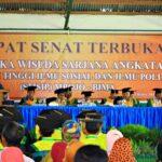87 Mahasiswa STISIP Mbojo Bima Diwisuda