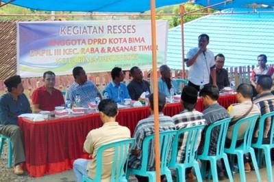 Reses Dewan Dapil 3 di Toloweri - Nungga. Foto: Ady