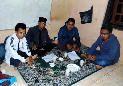 Tim Program Lakpesdam NU saat bertandang di kantor Kahaba.net. Foto: Eric